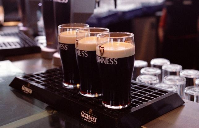 吉尼斯黑啤酒