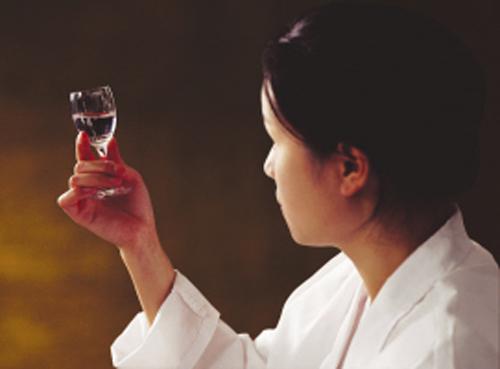 白酒的感官品评是什么?它具有什么意义?