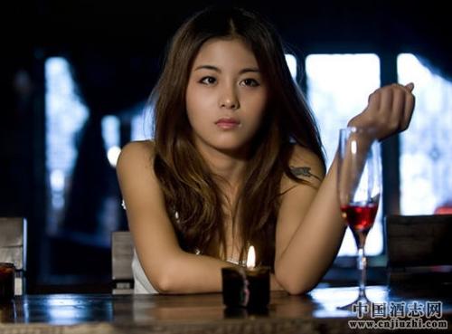 女性生理期喝酒有哪些危害?
