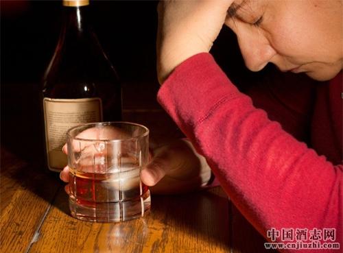 醉酒危害大!醉酒一次大脑受损一年?