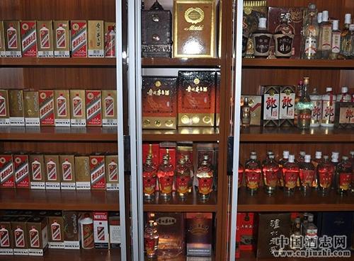 老酒收藏爱好者入门选择收藏品种的要点