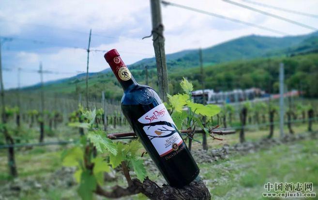 来自意大利百年酒庄,国宴级金爵红葡萄酒!