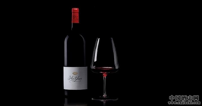 喜马拉雅山脉首款葡萄酒敖云携手百年水晶世家醴铎 倾力打造尊华品鉴体验
